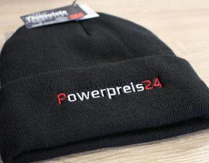 bestickte Wintermütze mit Logo