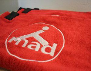 Sporttuch bestickt mit Logo